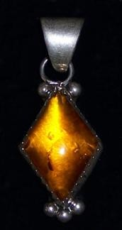 PEN13 Navajo Amber Pendant