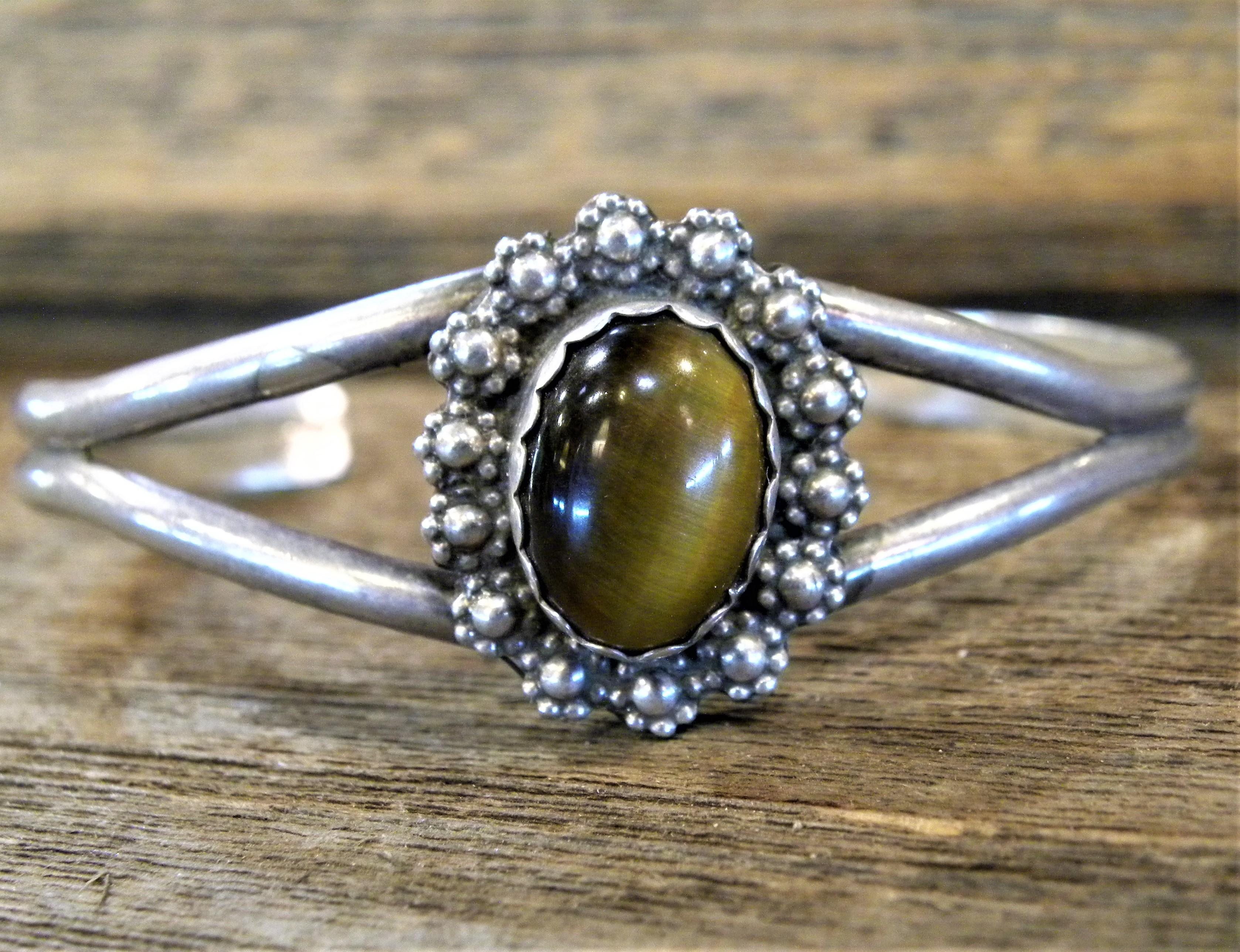 PB44 Pawn Tiger Eye Stone Navajo Handmade Bracelet
