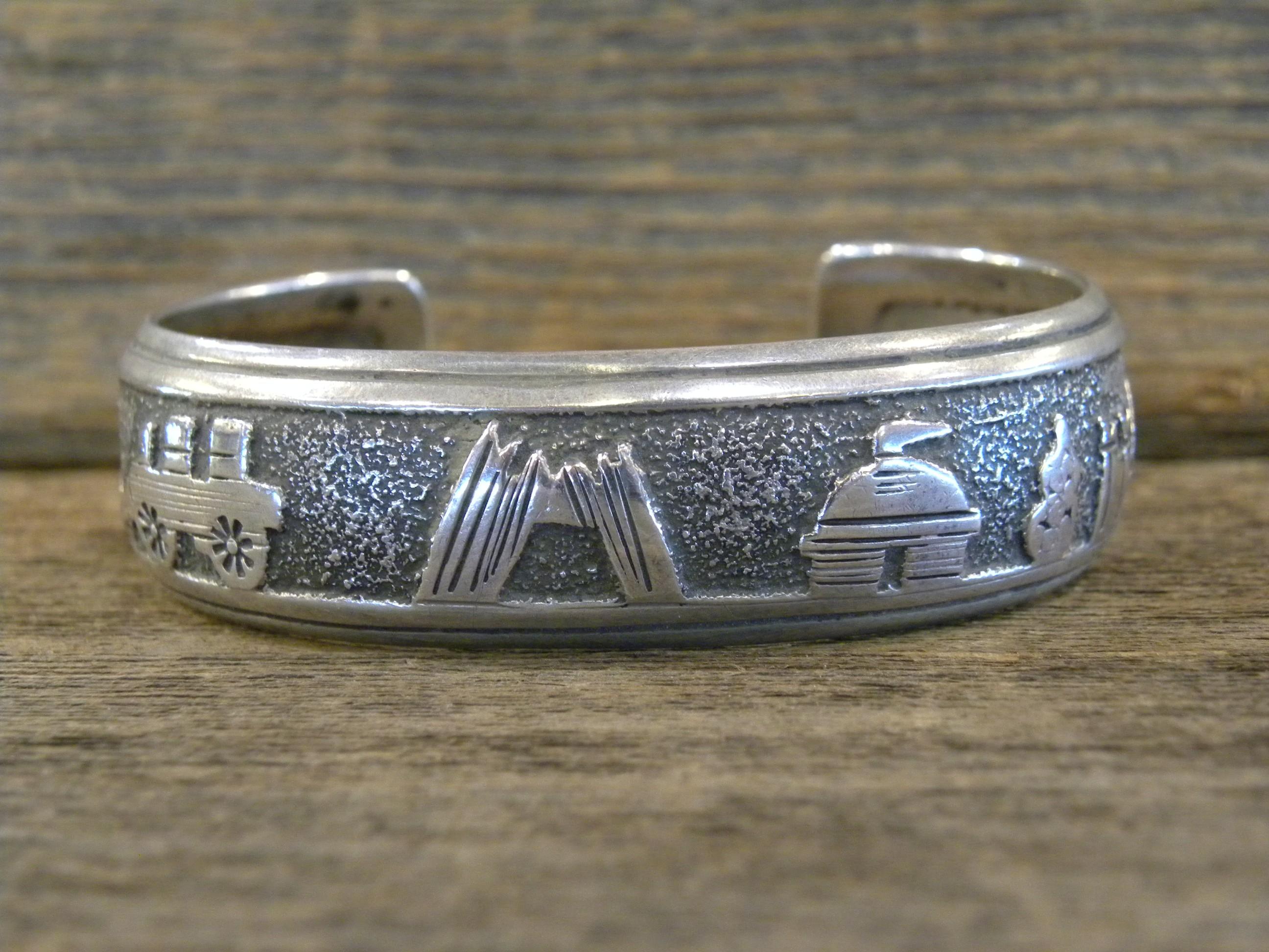 PB62 Pawn Tommy Singer Storyteller Bracelet