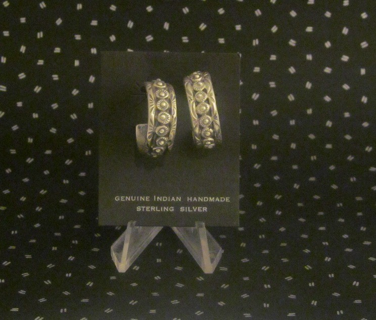 LMSE5 Monroe and Lillie Ashley Hoop Earrings