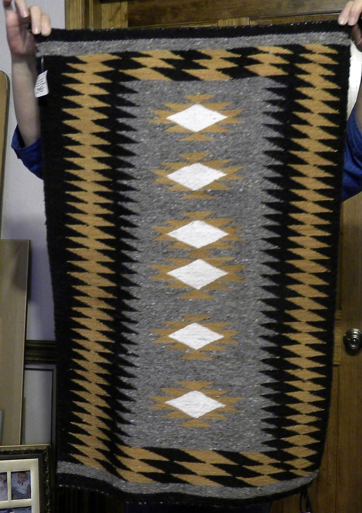 DER134 - Navajo Handmade Rug
